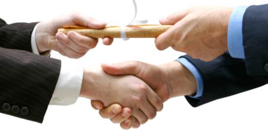 13-dec-15_3_remise-diplôme-avec-serrage-de-main